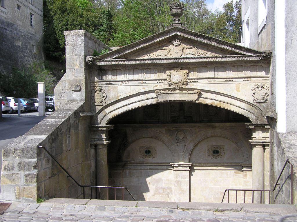 La fontaine des Quatre Tias à Fontenay le Comte