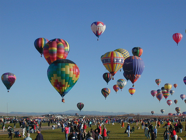 The International Balloon Fiesta in Albuquerque (Joe Ross - 2002)