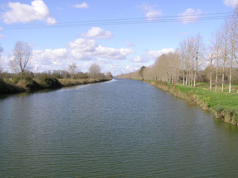le canal vu vers l'aval