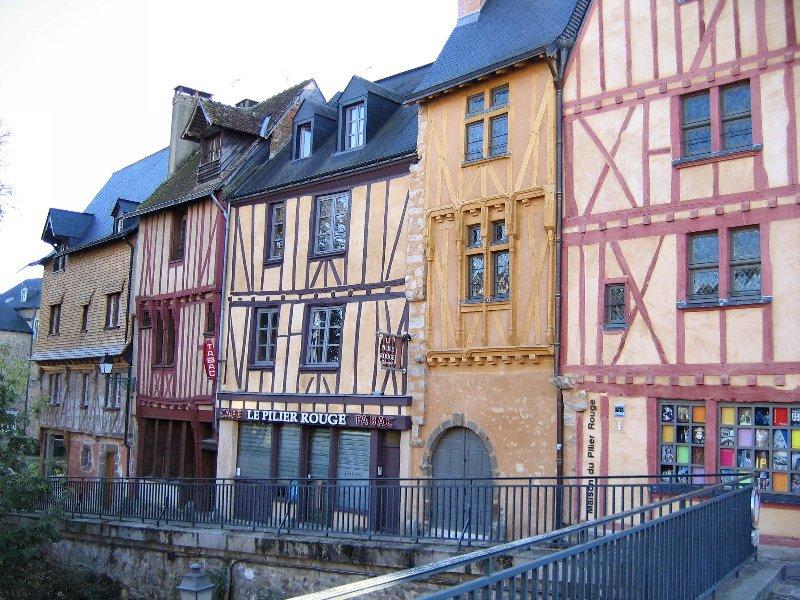 quelques maisons du vieux Mans.